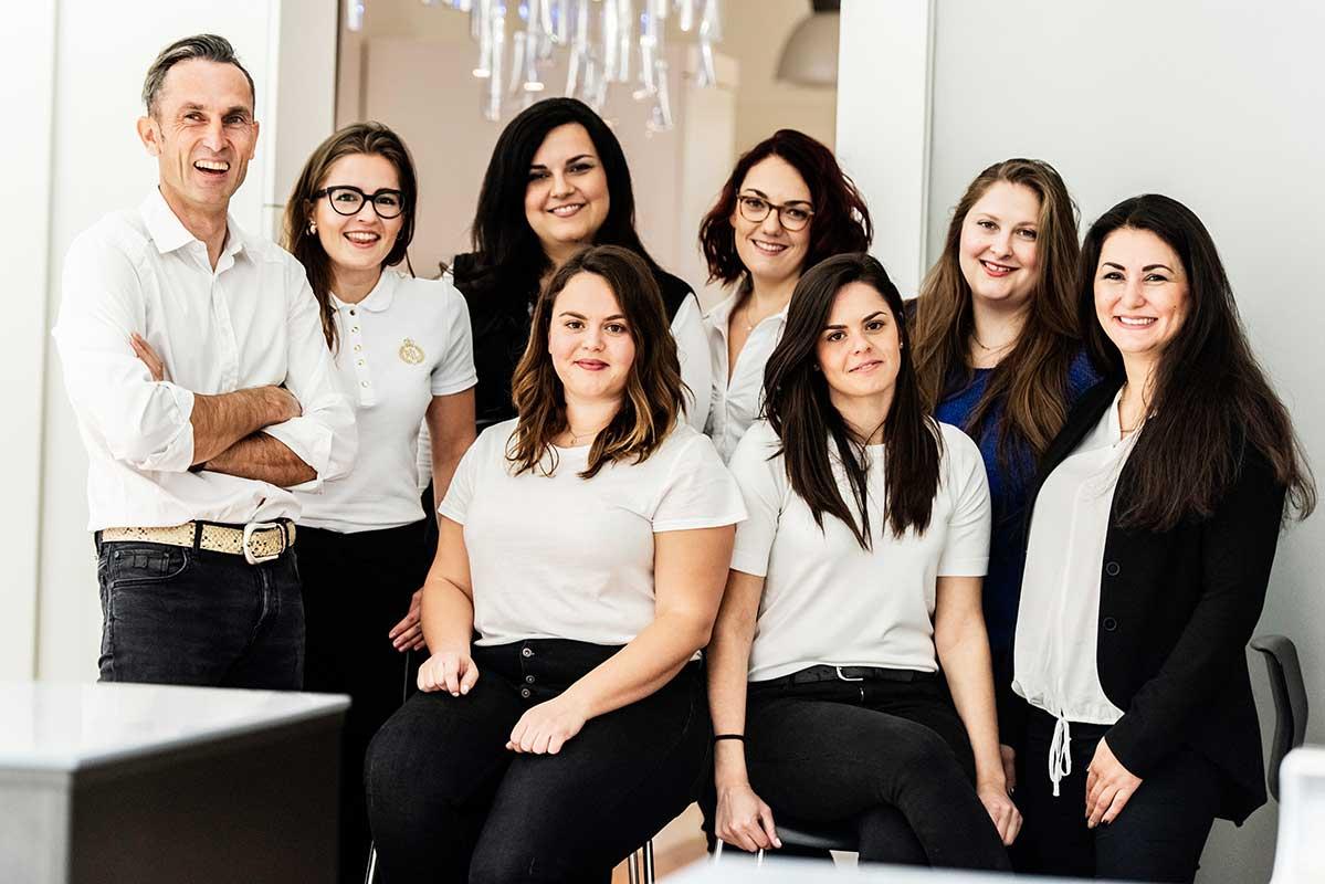 Wir sind ein eingespieltes Team | Zahntechnik Neumann Nürnberg